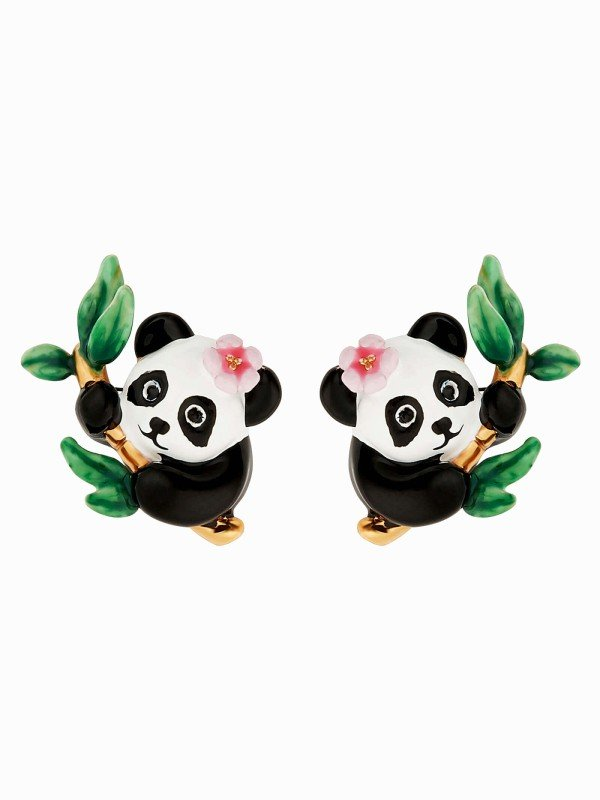 On the misty highlands of China lie thousand-year-old bamboo forests. It is in this green paradise that pandas have made their home. This charming Bamboo Flower collection takes you to the land of pandas with hand-enamelled post earrings. A Chinese national treasure, the panda is the symbol of the struggle to protect our planet, to which La Maison Les Néréides is committed.