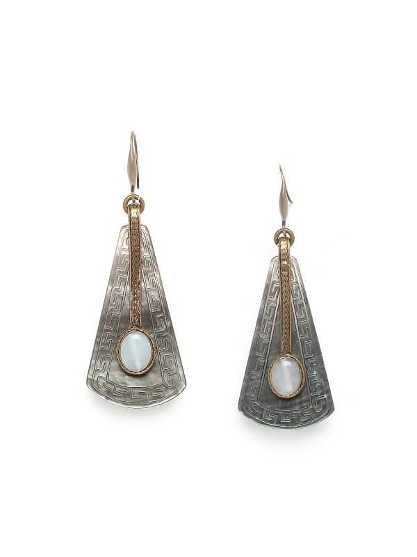 Unique, Single and Elegant! The Pachacuti Collection from Nature Bijoux combines a magnificent duo of materials: jade and black lip overlaid with brass. Nature Bijoux jewellery is guaranteed nickel and lead free.