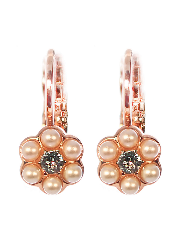 Moonlight & Magnolias Collection jewellery from Mariana captivates with its use of white faux pearls combined with ice blue, pale peach, amber and earthy rust tones. Neutral tones.