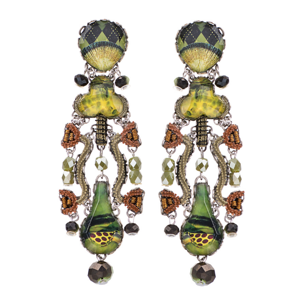Warm citrus tones marry to create Ayala Bar's Green Meadow range in her Radiance jewellery Winter 2021 release. Olive green, maize yellow and rust brown combinations make this an earthy, timeless collection.