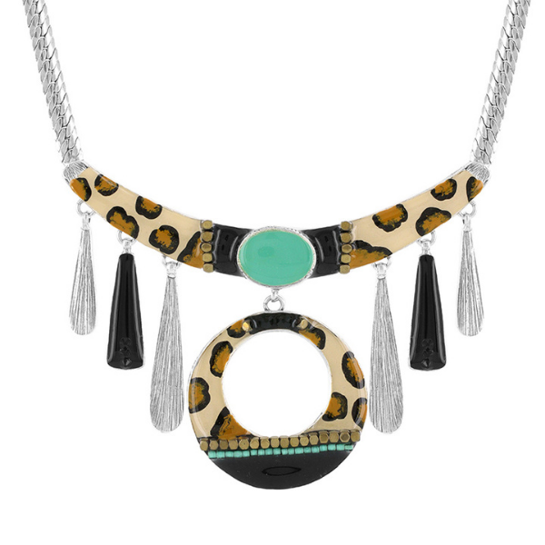 Rebelle Collection jewellery from Taratata Bijoux is ideal for those who are wild at heart. Animal print is the main element of this design and is trimmed with aqua motifs, bronze beads and set in silver metal.