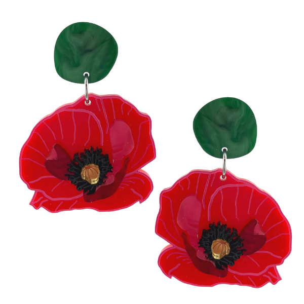 A red poppy has been the inspiration of these amazing stud earrings. Australian made, measuring 6.5 cm, the earrings have the typical black stamen centre with red petals.