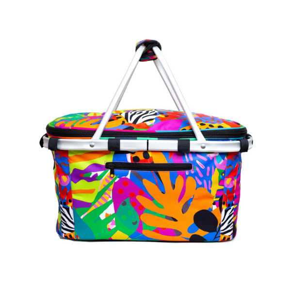 Funk with a colourful punch. Colourful fabric with red, yellow, turquoise and green in a tropical floral design.